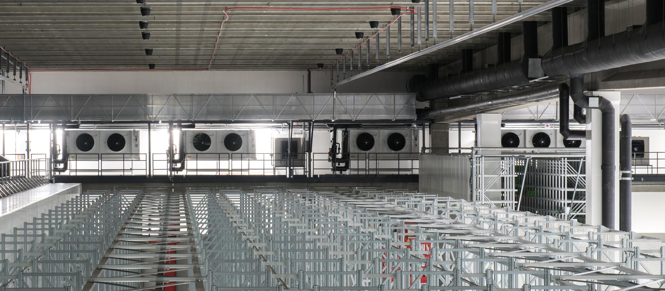 SOK:n Sipoon logistiikkavarastoon toimitettiin vuosien 2014-2017 aikana satoja CoolLine-ilmanjäähdyttimiä.